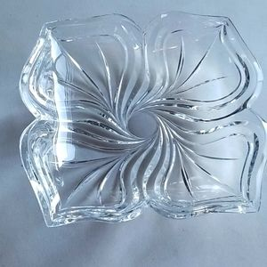 🐳Glass Flower Shaped Bowl Crystal Serving Plate
